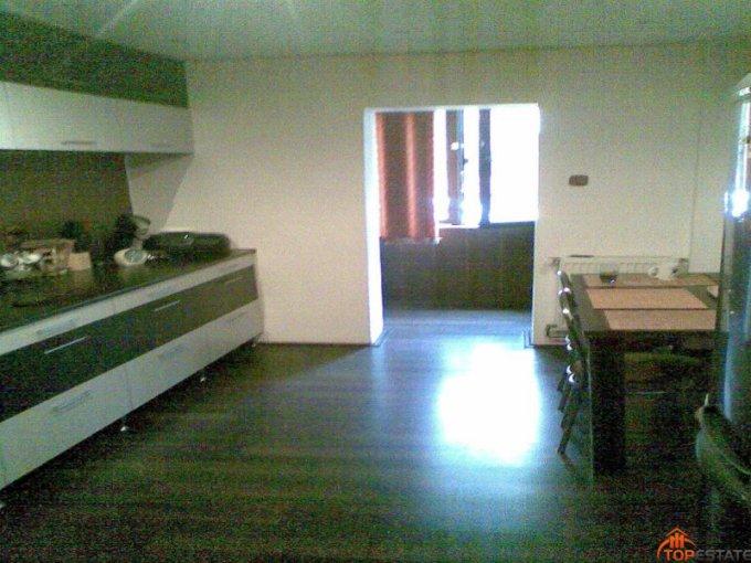 vanzare apartament cu 4 camere, decomandata, in zona Mircea cel Batran, orasul Timisoara