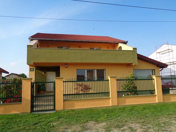 Giarmata casa cu 4 camere, 2 grupuri sanitare, cu suprafata utila de 150 mp, suprafata teren 1000 mp si deschidere de 50 metri. In comuna Giarmata.