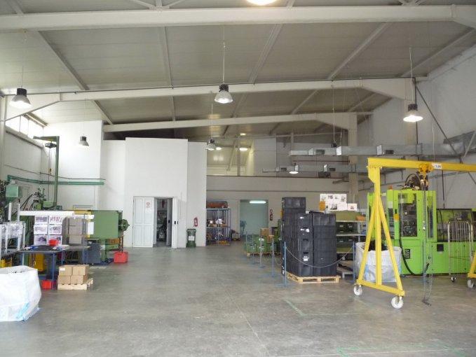 inchiriere Spatiu industrial 650 mp cu 1 incapere, 1 grup sanitar, orasul Timisoara