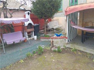 Tulcea, zona Ultracentral, casa cu 4 camere de vanzare de la agentie imobiliara