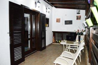 vanzare vila de la agentie imobiliara, cu 1 etaj, 4 camere, in zona Monumentului, orasul Tulcea