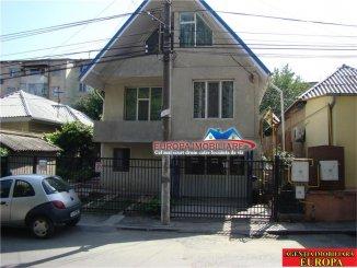 Vila de vanzare cu 3 etaje si 8 camere, in zona Big, Tulcea