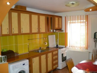 proprietar vand apartament semidecomandata, in zona Ostroveni, orasul Ramnicu Valcea