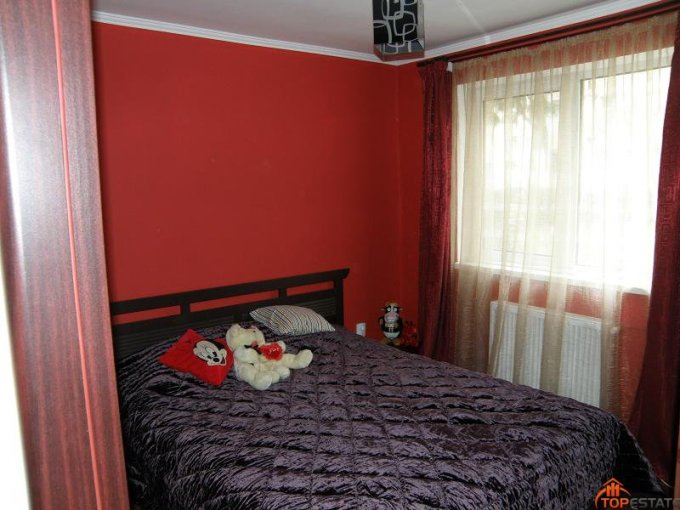proprietar vand apartament decomandata, in zona Nord, orasul Ramnicu Valcea
