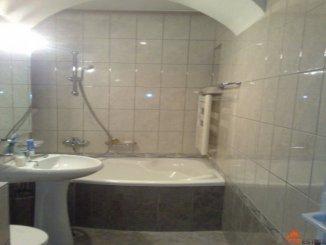 Apartament cu 3 camere de vanzare, confort Lux, zona Ultracentral,  Ramnicu Valcea Valcea