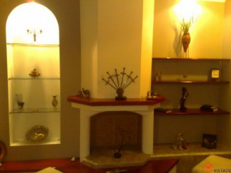 vanzare apartament cu 3 camere, semidecomandata, in zona Ultracentral, orasul Ramnicu Valcea