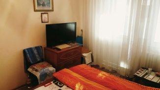 vanzare apartament cu 3 camere, decomandat, in zona Bulevardul Independentei, orasul Focsani