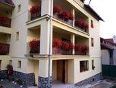 de vanzare apartament cu 4 camere decomandat,  confort lux in predeal